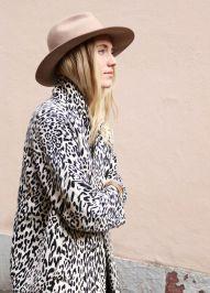 Print B&W + hat