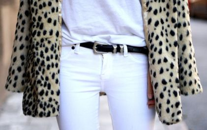 Print + total white look