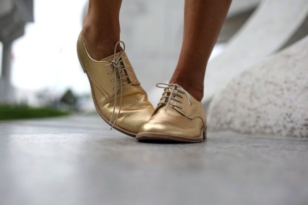 GOLD OXFORD SHOES