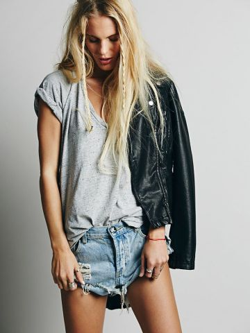 Leather portada