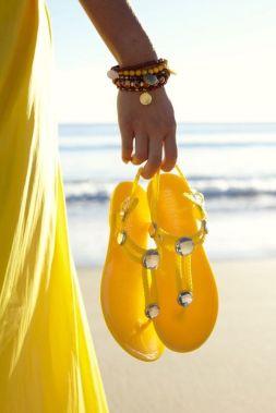 yellow portada