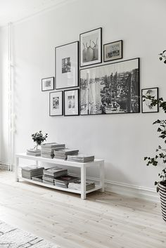 gallery wall black and white