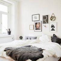 gallery wall bedroom