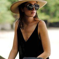 sombrero y negro