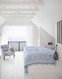 blanco y azul en la casa
