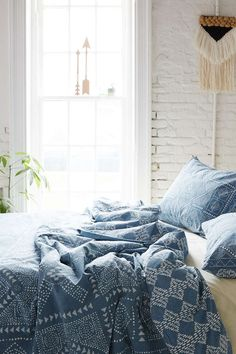 HD white and blue, portada